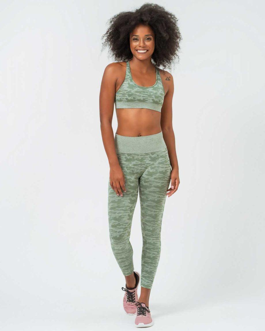 Conjunto fitness camuflaje verde