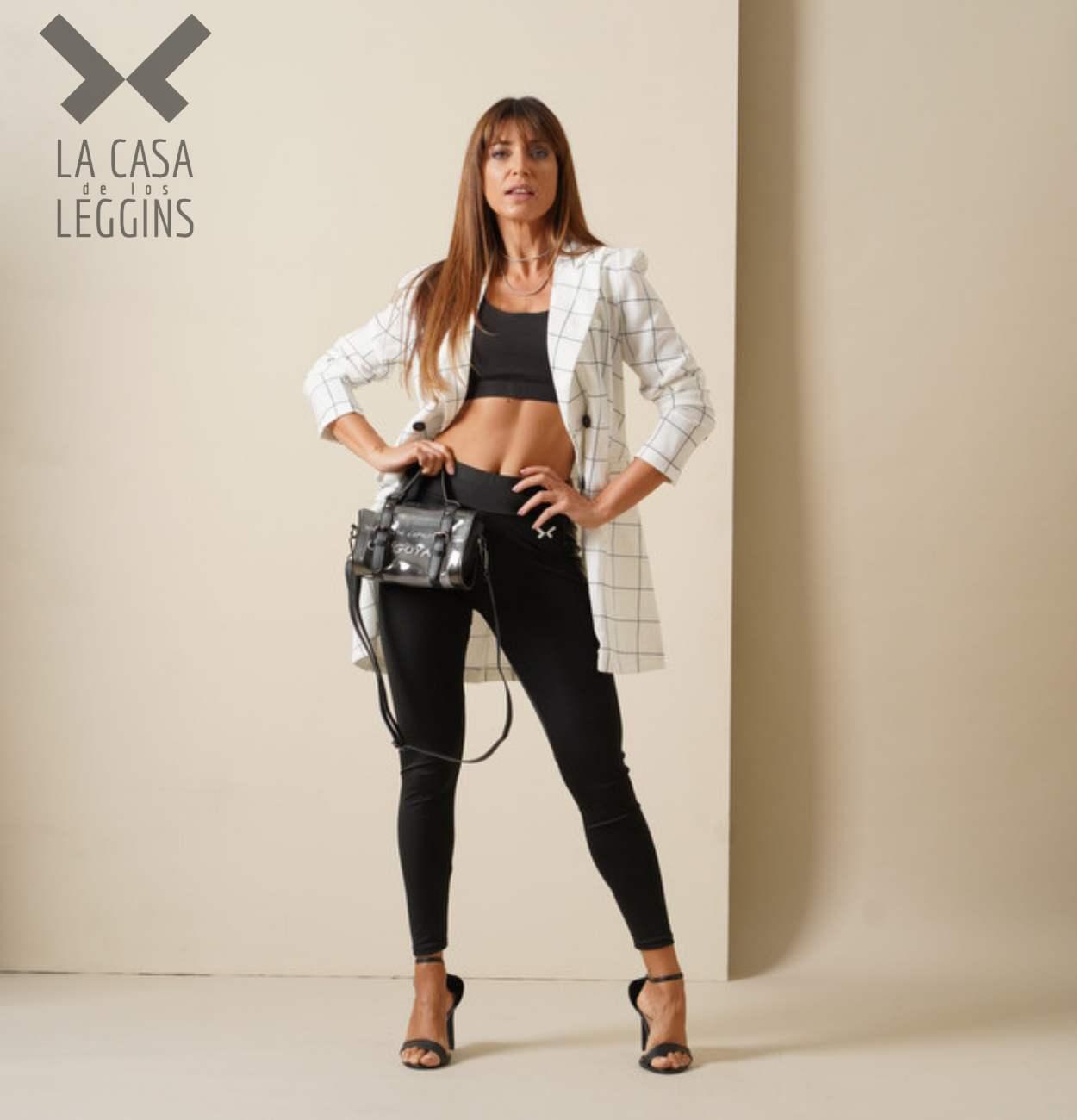 Look deportivo mujer elegante